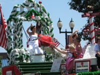Raspberry Festival Royalty Waving in the Grande Day Parade